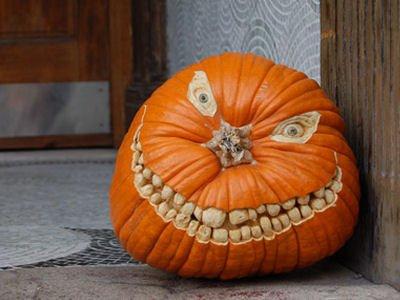 Halloween Pumpkin Got Really Scary Teeths