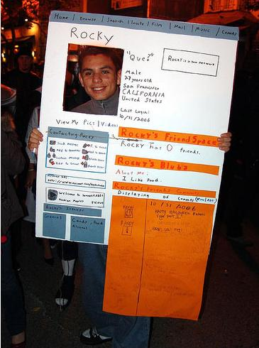 simple but great halloween costume idea - Simple And Creative Halloween Costumes